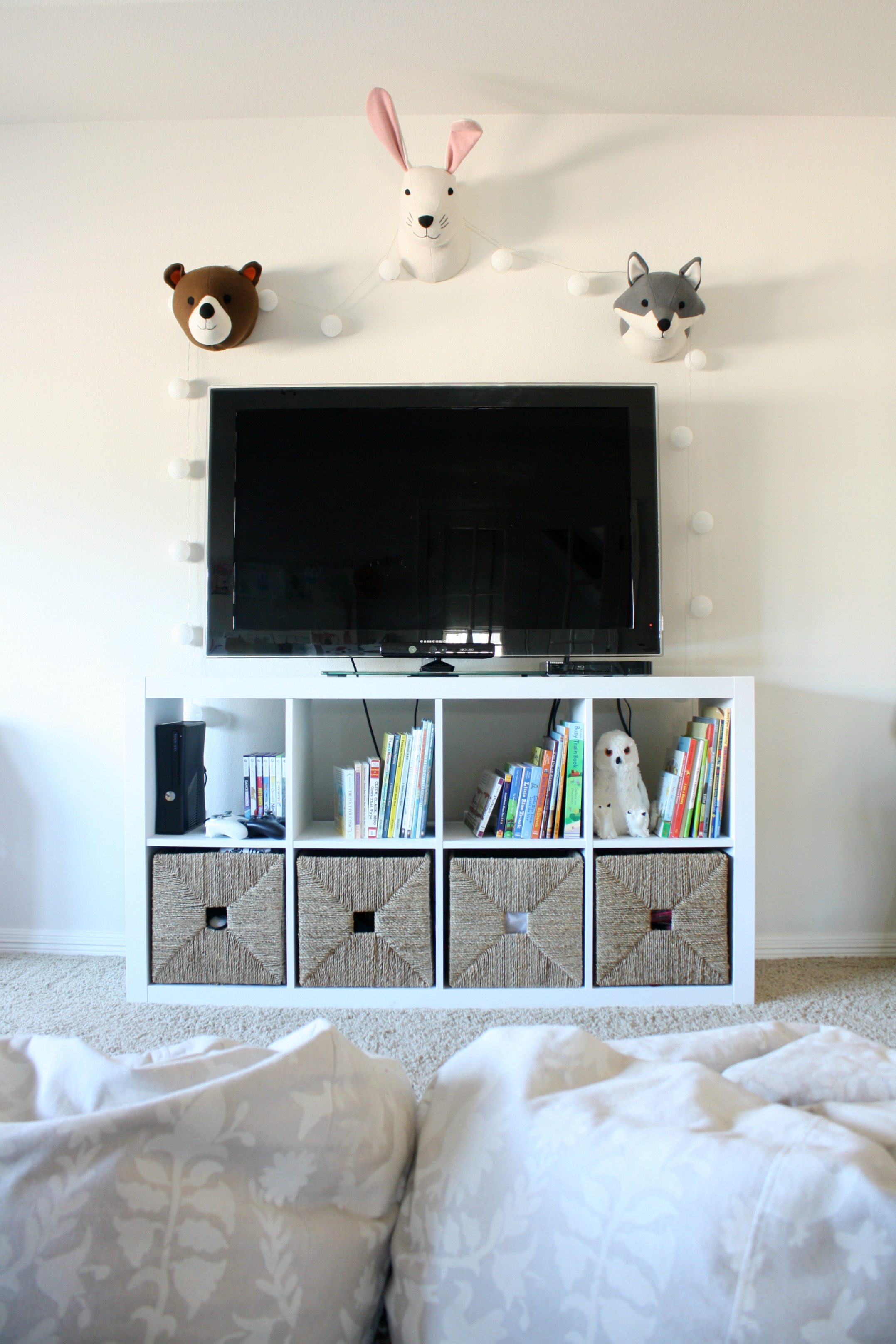 playroom makeover with built ins crazy wonderful. Black Bedroom Furniture Sets. Home Design Ideas